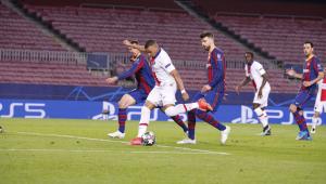 Mbappé fez três gols contra o Barcelona na Liga dos Campeões