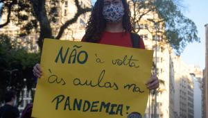 Ninguém prejudica tanto a educação brasileira como os sindicatos de professores