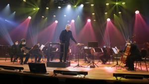 Após viralizar na internet tocando Mozart, maestro João Carlos Martins retorna aos palcos