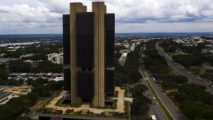 Bolsonaro sanciona autonomia do Banco Central e diz que 'imortalizou instituição'