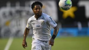 Marinho em ação no jogo contra o Fluminense, pelo Brasileirão