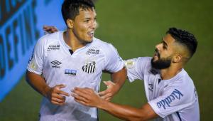 Em jogo atrasado, Santos vence o clássico contra o Corinthians no Brasileirão
