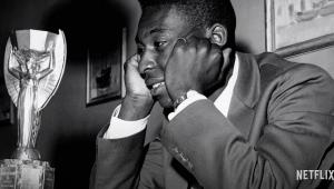 Documentário sobre Pelé na Netflix vale muito pelas imagens