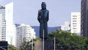 Tiradentes morreu há mais de 200 anos, mas seus tetranetos querem pensão do governo