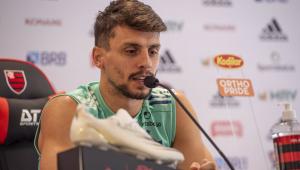 Rodrigo Caio confirma presença em decisão e quer Ceni 'por muito tempo' no Flamengo