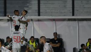 Jogadores do Vasco comemorando