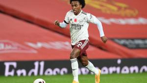 Willian, meio-campista do Arsenal, está na mira do Corinthians