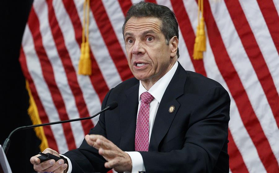 governador de nova york, andrew cuomo, durante discurso
