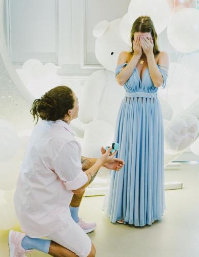 Whindersson pede a mão de Maria Lina em casamento