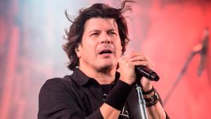Cantor Paulo Ricardo cantando