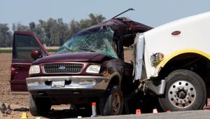 Acidente próximo à fronteira dos EUA com México deixa 13 mortos; polícia suspeita de contrabando de pessoas