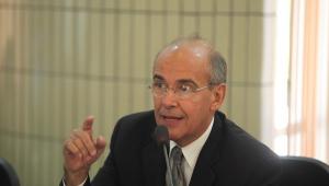Presidente do Conselho Federal de Medicina, Mauro Ribeiro