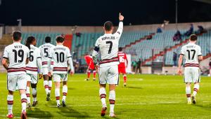 Cristiano Ronaldo comemora gol pela seleção portuguesa nas eliminatórias