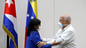 Vice-presidente da Venezuela, Delcy Rodríguez, e vice-primeiro-ministro de Cuba, Ricardo Cabrisas, assinaram acordo de cooperação alimentar