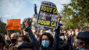 Logo após a morte do professor Samuel Paty, franceses tomaram as ruas do país em protesto contra o terrorismo e a favor da liberdade de expressão