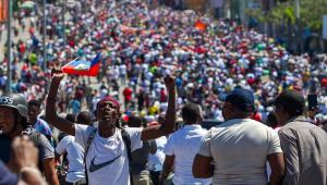 Manifestantes tomam as ruas de Porto Príncipe, capital do Haiti