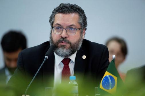 AO VIVO: 'Jamais promovi nenhum atrito com a China', diz Araújo; acompanhe
