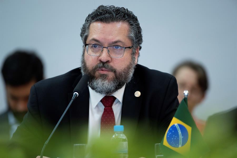 Ernesto Araújo é o ministro das Relações Exteriores