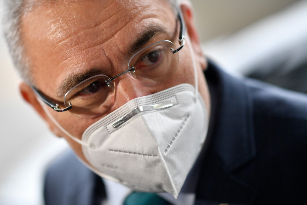 Augusto: Queiroga deve continuar compra de vacinas e dar lição a quem nega que governo está atuando