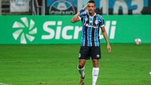 Ricardinho homenageia seu pai durante partida do Grêmio