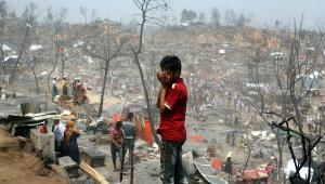 Incêndio em campos de refugiados em Bangladesh deixa 45 mil desabrigados