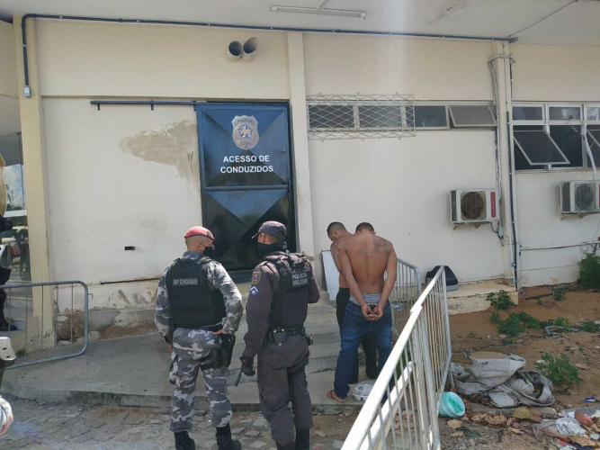 Bandidos invadem posto de saúde em Natal