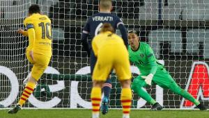 Lionel Messi perde pênalti na partida contra o PSG pela Liga dos Campeões