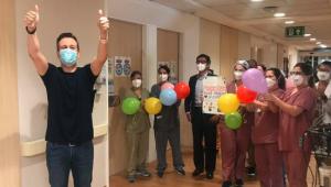 O apresentador Celso Zucatelli recebeu alta após 10 dias de internação por Covid-19
