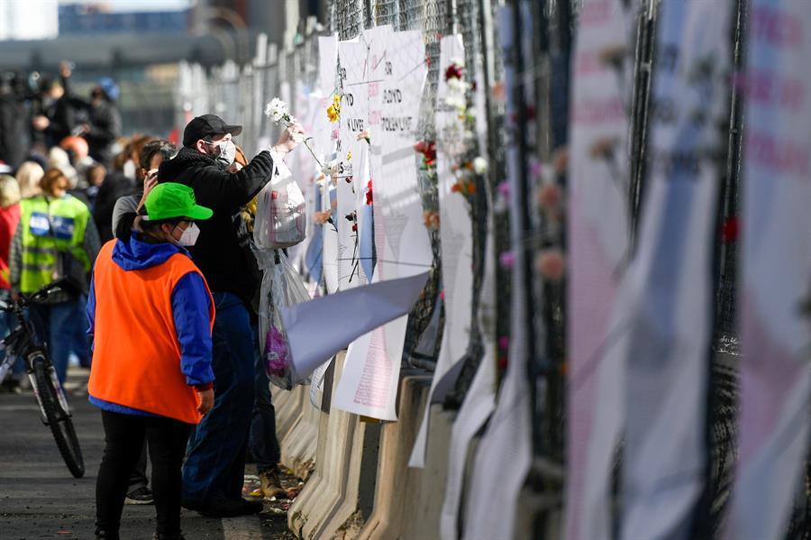 Às vésperas do julgamento de Derek Chauvin, manifestantes pedem justiça pela morte de George Floyd
