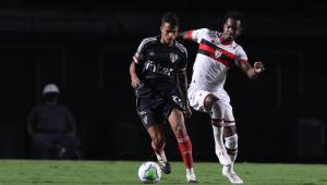 Diego Costa durante partida entre São Paulo x Atlético-GO
