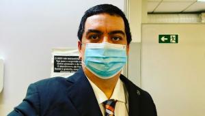 Infectologista Dr. Francisco Cardoso usando máscaras contra a Covid-19