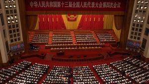 O primeiro-ministro Li Keqiang discursa durante abertura de sessão do Congresso Nacional do Povo em Pequim, na China