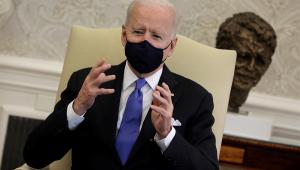 Biden critica suspensão do uso de máscaras: 'Pensamento Neandertal'