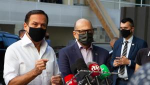 Doria e Dimas Covas acompanham envio de novo lote da CoronaVac para o Ministério da Saúde