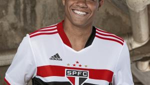São Paulo apresenta nova camisa com vídeo narrado por ex-BBB Lucas Penteado