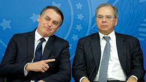 Jair Bolsonaro e Paulo Guedes se amam, mas bastam 30 segundos para o ministro dar no pé