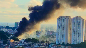 Incêndio destrói obras de arte em Taboão da Serra