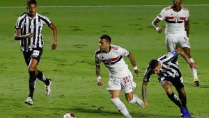 São Paulo faz segundo tempo perfeito, goleia o Santos e mantém invencibilidade no Paulista