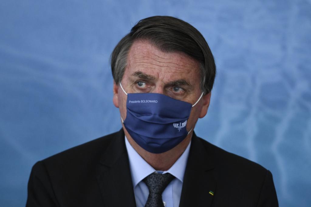 Augusto Nunes: Bolsonaro não pensa em golpe e mudanças nas Forças Armadas foram legítimas