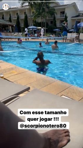 Jô e Otero foram a um resort em meio ao surto de Covid-19 no Corinthians