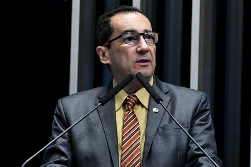 'Nunca mais falo com ele, a relação com Bolsonaro está rompida', diz Kajuru