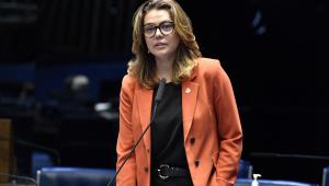 Em pronunciamento, à bancada, senadora Leila Barros (PSB-DF)