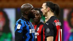 Lukaku e Ibrahimovic discutem durante jogo da Copa da Itália