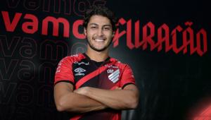 Marcinho foi anunciado pelo Athletico_R