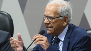 Fatiamento da reforma tributária deve facilitar aprovação, diz Oriovisto Guimarães