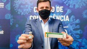 Prefeito de São Bernardo do Campo, Orlando Morando, celebra a vacina contra a covid-19