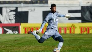 Ygor Vinhas é o atual goleiro da Ponte Preta