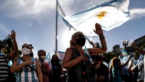 'Vacina VIP': Argentinos protestam contra imunização privilegiada no país