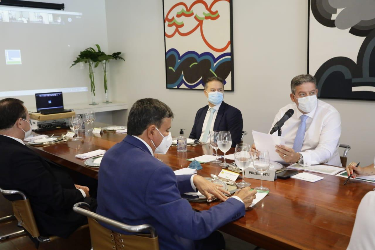 Reunião de autoridades ocorreu na residência oficial da Câmara dos Deputados