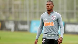 Xavier durante treinamento no Corinthians